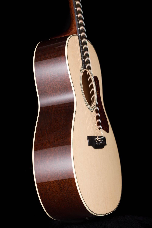 Collings C100 | 14-Fret Acoustic Guitar