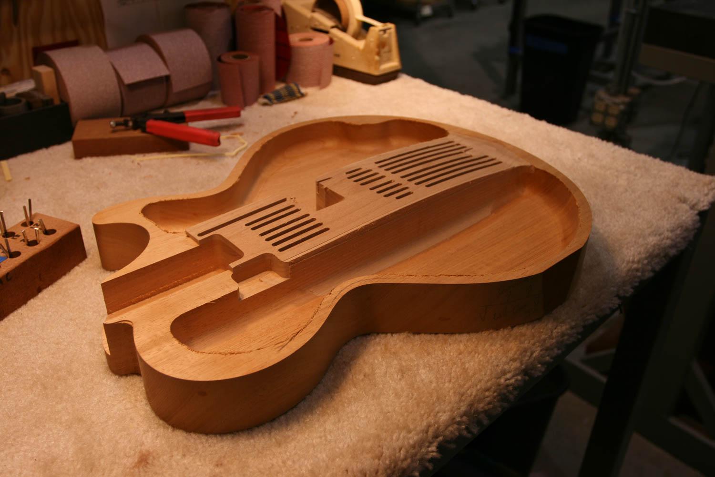 Building Electric Guitars : collings shop tour electric build ~ Hamham.info Haus und Dekorationen